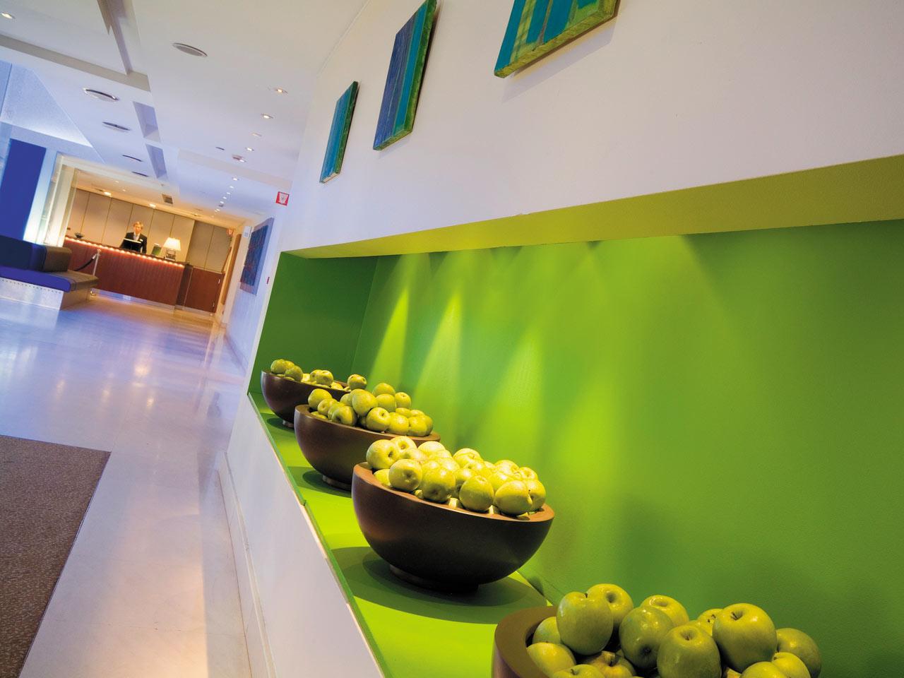ANRZR-gallery-4-lobby